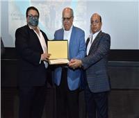 تكريم كوكبة من أسر الشهداء وفريق عمل فيلم «الشهيد» بسينما الهناجر