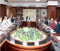 محافظ بني سويف للتنفيذيين: تابعوا المشروعات القومية بالنزول الميداني