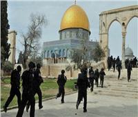 إصابة 10 فلسطينيين إثر اعتداء قوات الاحتلال على مصلى المسجد الأقصى