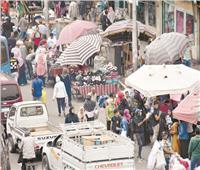في العتبة والموسكى والأزهر.. العيد يضاعف الزحام.. والشوارع «بلا كمامات»
