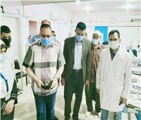 محافظ الشرقية يقررمكافأة للعاملين بمستشفى «كفر صقر» لانتظامهم في عملهم