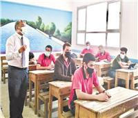التعليم:  الامتحان التكميلي 15 سؤالًا اختياريًا لكل مادة والزمن ساعة