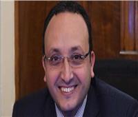 مستشار رئيس الوزراء يكشف عن موقف لتحرك الحكومة السريع بسبب «تعليق» مواطن