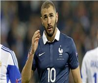 مدرب منتخب فرنسا يعلق على إمكانية استدعاء كريم بنزيما