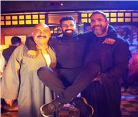 محمد سامي يحبس أنفاس الجمهور قبل عرض الحلقة الأخيرة من «نسل الأغراب»