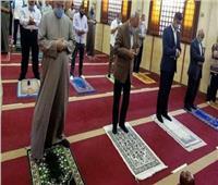 محافظ القليوبية يؤدي صلاة عيد الفطر المبارك بمسجد ناصر ببنها