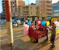إقبال كبير من المواطنين على شراء لعب الأطفال بكفر الدوار| صور