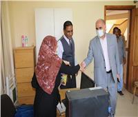 رئيس جامعة الأقصر يتفقد سير العملية التعليمية عقب انتهاء إجازة العيد