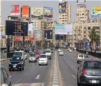 الحالة المرورية.. سيولة بالطرق والمحاور الرئيسية بالقاهرة والجيزة
