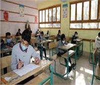 طلاب سنوات النقل يؤدون الامتحانات التكميلية بعد قليل