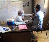 استمرار تطعيم المرضى وعمال المصانع  بلقاح كورونا في الشرقية | صور