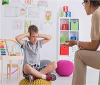 متى تكتشف الأم معاناة طفلها من متلازمة فرط الحركة؟ استشاري نفسي يجيب