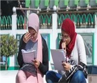 انفراد  «التعليم» تفاجئ طلاب الثانوية بامتحان يجمع بين الإلكتروني والورقي