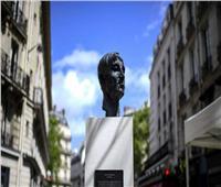 بلدية باريس تدشن تمثال للمغني الراحل أزنافور