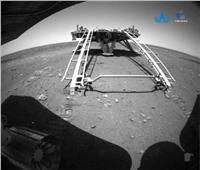 المتجول الصيني يتحرك على سطح المريخ