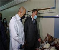 سفير فلسطين بالقاهرة يزور جرحى غزة بمستشفىمعهد ناصر