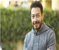 «اشفها أنت الشّافي».. أحمد زاهر يتضرع إلى الله من أجل «دلال عبدالعزيز»