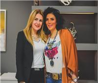 بعد عودتها من العلاج.. «رانيا محمود ياسين» تشارك صورة جديدة مع «حورية فرغلي»