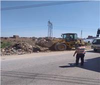 محافظ أسيوط: وحدة الانقاذ السريع ترفع مخلفات مباني وقمامة بالطريق الدائري
