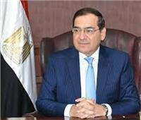 وزير البترول يطالب بالاستفادة من زيادة محطات تموين السيارات بالغاز