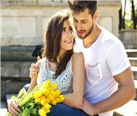 برج الدلو اليوم.. تعيش حالة عاطفية مستقرة تمامًا مع شريك حياتك