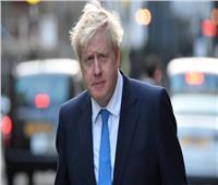 رئيس الوزراء البريطاني يركض مسرعًا للحاق بالقطار.. فيديو