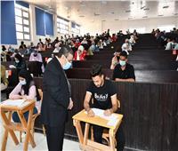 إجراءات احترازية مشددة بجامعة القناة خلال الامتحانات النظرية