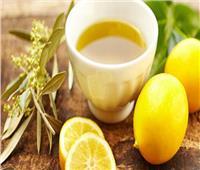 تعزيز صحة الجهاز الهضمي.. أبرز فوائد الليمون مع زيت الزيتون