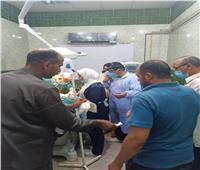 أطباء «الدلنجات المركزي» ينقذون طفلة بعد اختراق سيخ حديد لتجويف الفم