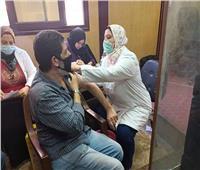الفرق الطبية المتحركة تواصل تطعيم المعلمينبلقاح كورونا بالبحيرة