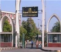 رئيس جامعة أسيوط: انخفاض فيأعدادمصابي كورونا بالمستشفيات الجامعية