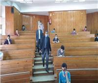 وسط إجراءات احترازية.. انتظام امتحانات كلية العلوم جامعة الأزهر فرع أسيوط