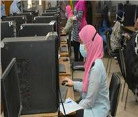 الحكومة تنفي السماح لطلاب الثانوية العامة الاختيار بين الامتحان الإلكتروني أو الورقي