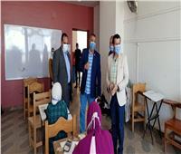 نائب رئيس جامعة بنها يتابع سير الامتحانات بكلية الفنون التطبيقية