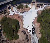 رغوة سامة على نهر تيتي بالبرازيل   فيديو