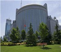 الصين: الاتهامات الأمريكية حول منشأ كورونا «تسييس» لقضية صحية