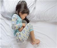 أسباب إصابة الأطفال المتكررة بالتهاب المعدة والأمعاء.. فيديو