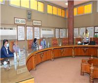 نائب رئيس جامعة أسيوط في زيارة للشركة المالية والصناعية للأسمدة