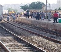 خروج قطار ركاب عن القضبان بـ«بنها» وسقوط عربتين
