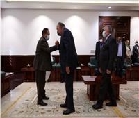وزيرا «الخارجية» و«الري» يلتقيان رئيس الوزراء السوداني | صور