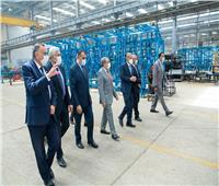 «وزير الدولة للإنتاج الحربي» يتفقد أحد مصانع القطاع الخاص لبحث التعاون المشترك