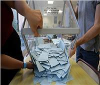 الناخبون الجزائريون يتوجهون لصناديق الاقتراع لانتخاب برلمانهم الجديد