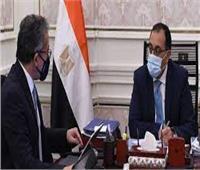 رئيس الوزراء يتابع مع العناني موقف حركة السياحة الوافدة إلى مصر