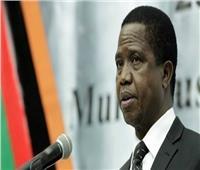 الرئيس الزامبي يطمئن شعبه بعد فقدان توازنه خلال حفل عسكري