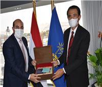 محافظ أسوان يلتقى السفير الإندونيسي  لبحث  أوجه التعاون والإستثمار المشترك
