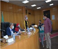 محافظ المنيا يستجيب لشكاوى المواطنين ضمن مبادرة «ساعة مع مسئول»