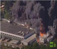 حريق هائل بعد انفجار بمصنع كيميائي في الولايات المتحدة.. فيديو