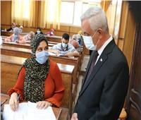 رئيس جامعة المنوفية يتابع جولته التفقدية للجان امتحانات الفصل الدراسي الثاني