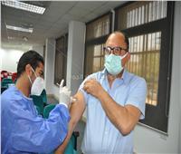 استمرار التطعيم بلقاح كورونا لأعضاء هيئة التدريس والعاملين بجامعة حلوان