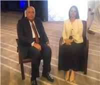 وزير الخارجية يلتقي نظيرته الليبية ويدعوها لزيارة مصر
